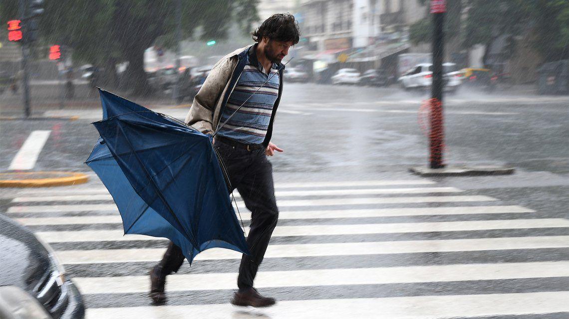 Alerta naranja por fuertes vientos para el centro y este de la provincia de Buenos Aires