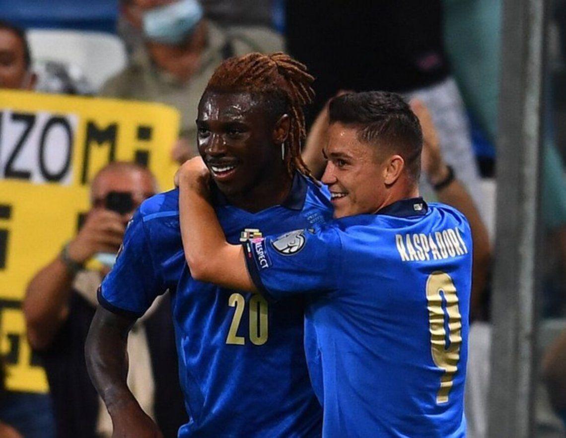 Moise Kean anotó un doblete en la victoria de Italia.