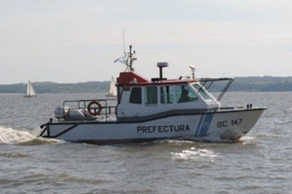Prefectura Naval trabaja en la búsqueda.