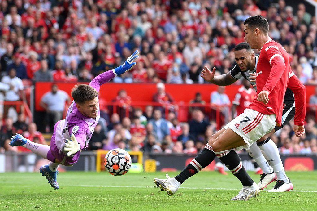 Cristiano Ronaldo anotó por partida doble en su regreso al Manchester United después de 12 años.