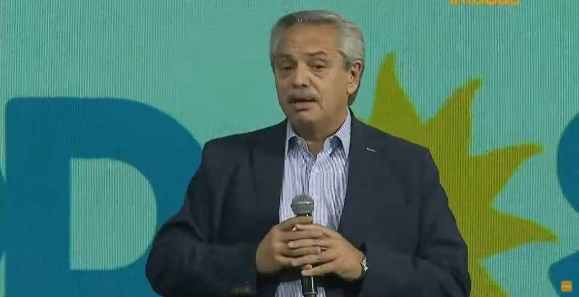 Alberto Fernández habló en representación de los candidatos.