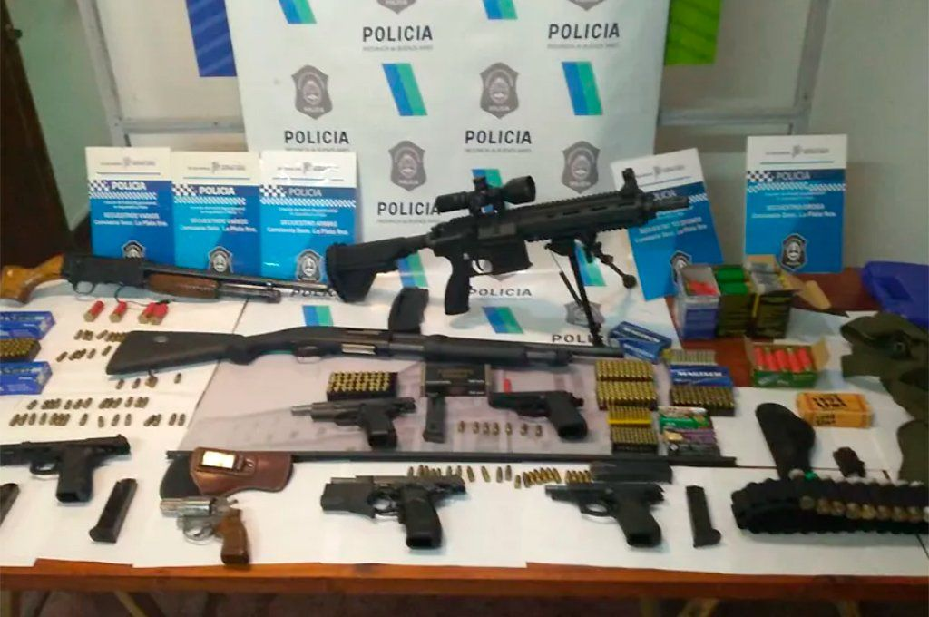 La Plata: detienen a cuatro chinos y les secuestran un poderoso arsenal