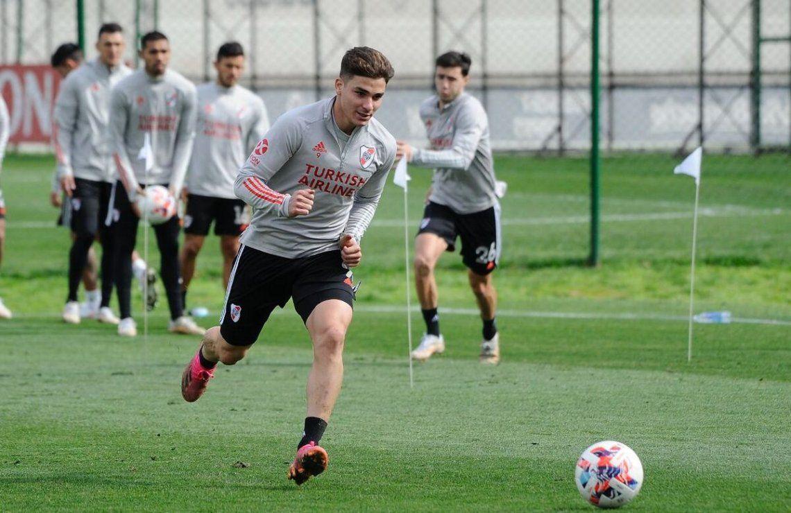 Julián Álvarez en el entrenamiento.