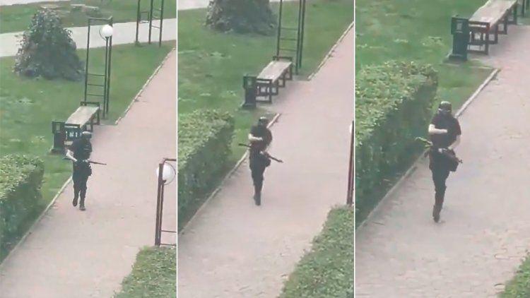 El ingreso del atacante a la universidad fue registrado por los estudiantes. Captura.