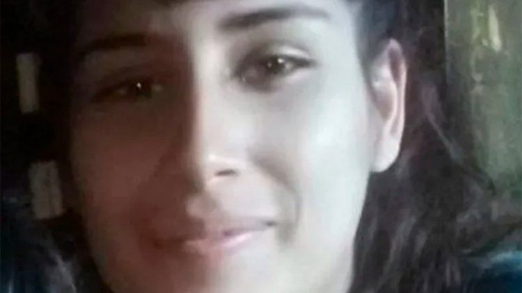 Laura Delgadillo (22) y su pequeño hijo fueron atacados por celos y están internados en estado grave.