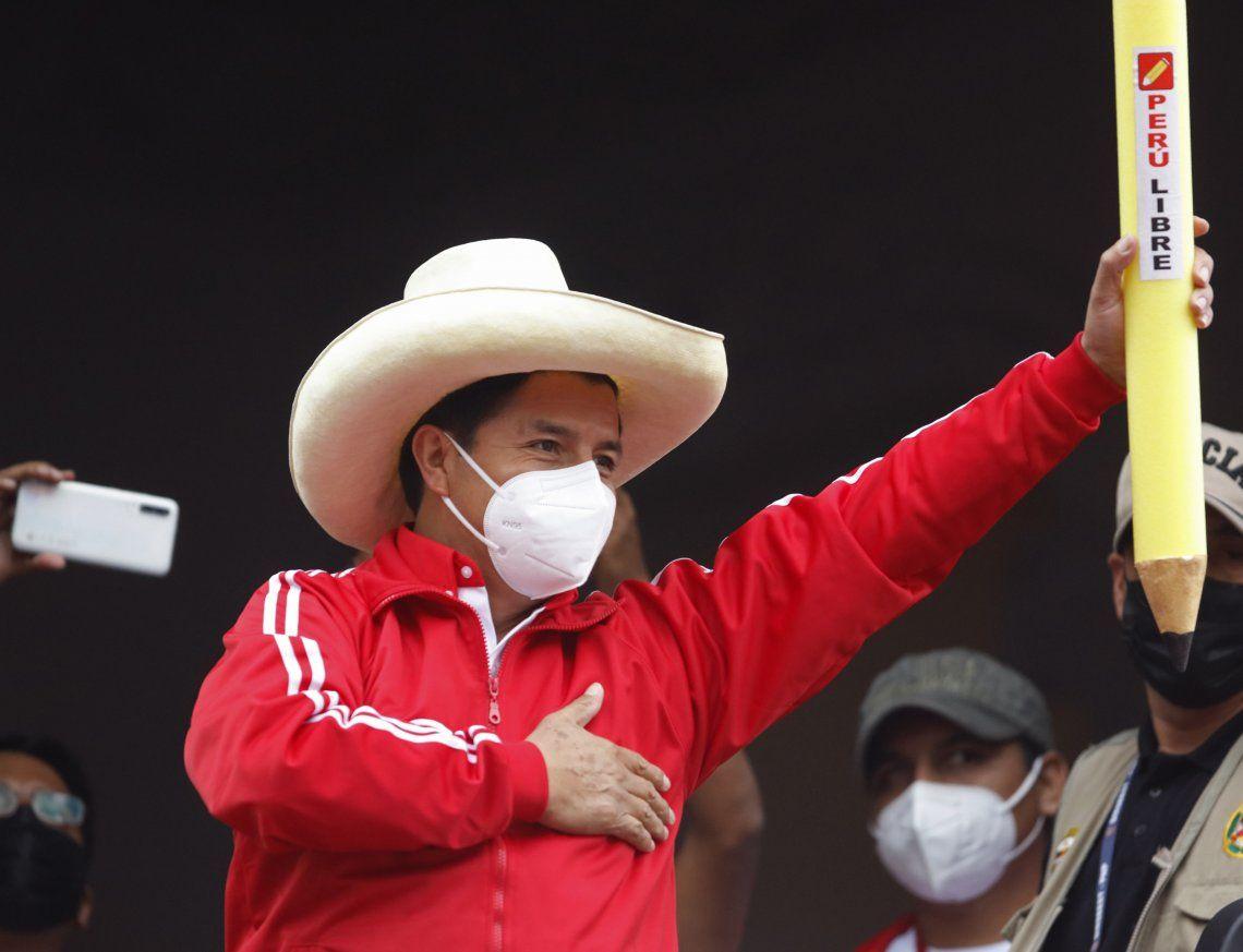 Perú: Pedro Castillo se adjudicó la victoria en el balotaje