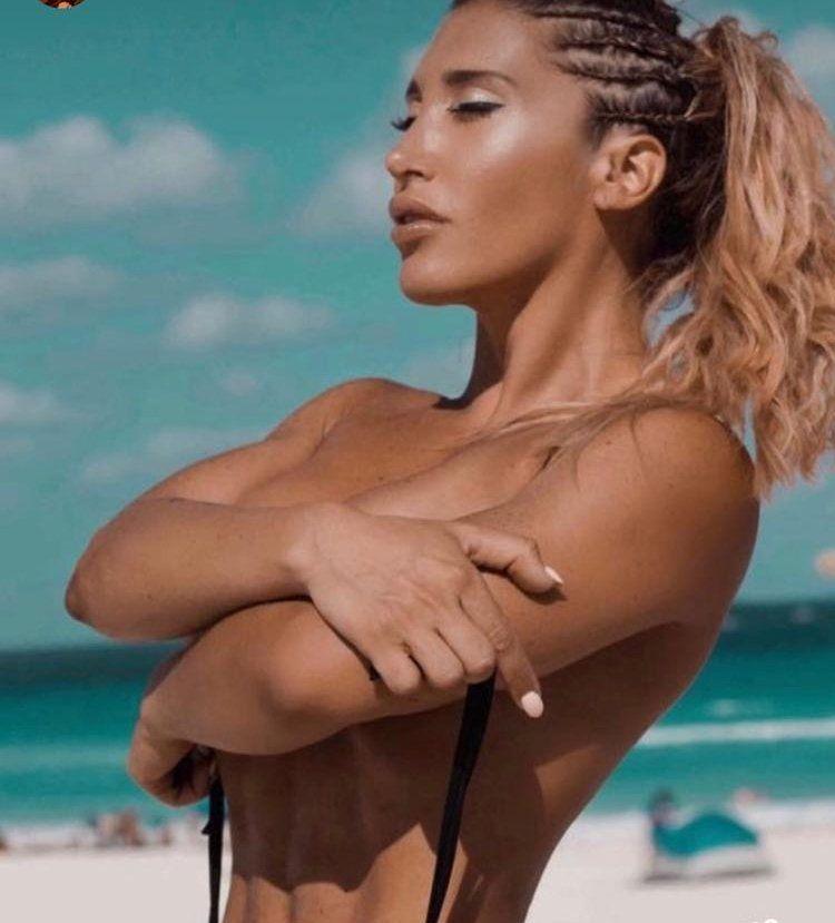 Ayelén Paleo, en topless