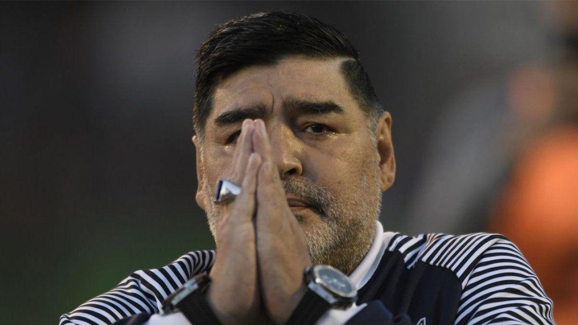 Diego Maradona falleció en la casa donde se recuperaba de una operación en la cabeza.