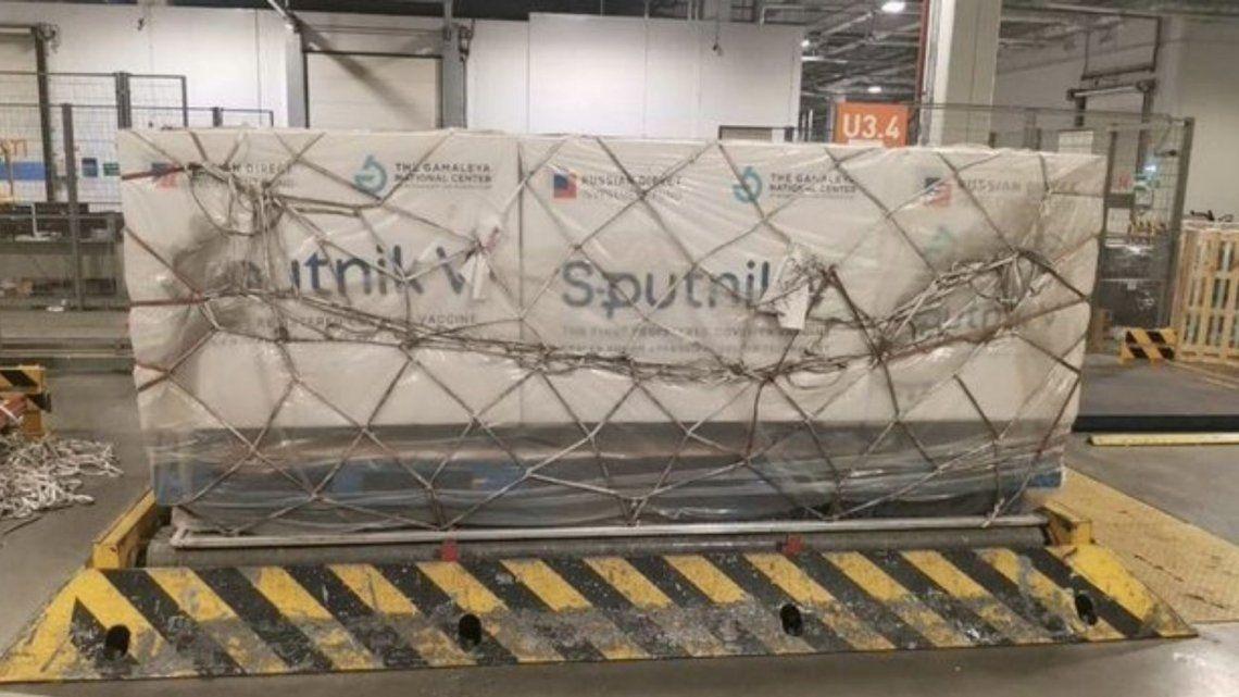 Llega desde Rusia una nueva partida de 400.000 dosis de la vacuna Sputnik V