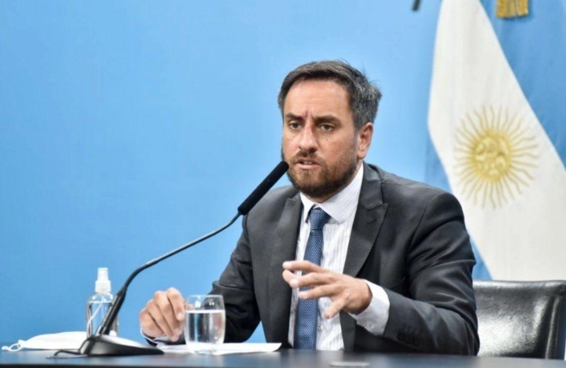 El ministro de Ambiente se refirió a los graves incendios que ocurren en Río Negro y Chubut.