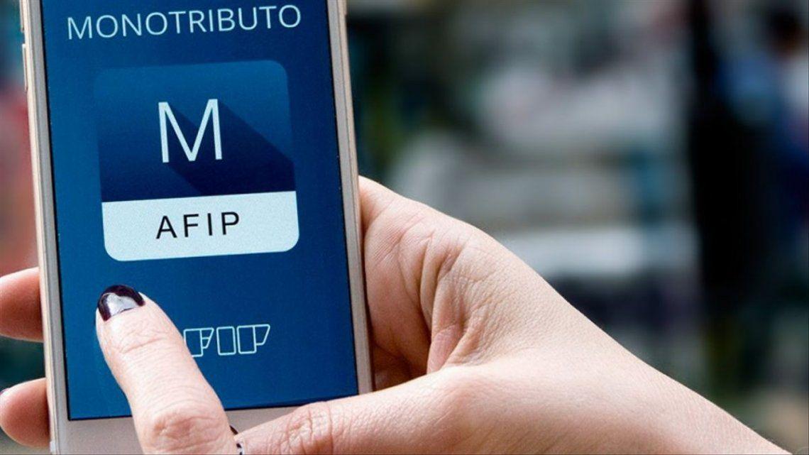 AFIP eximió a los monotributistas del pago del impuesto al cheque