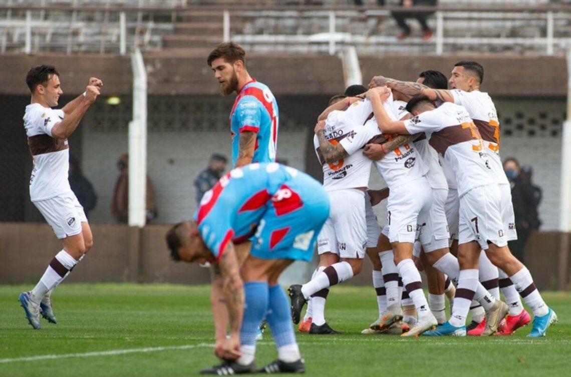 Platense computó su primera victoria dentro del torneo.