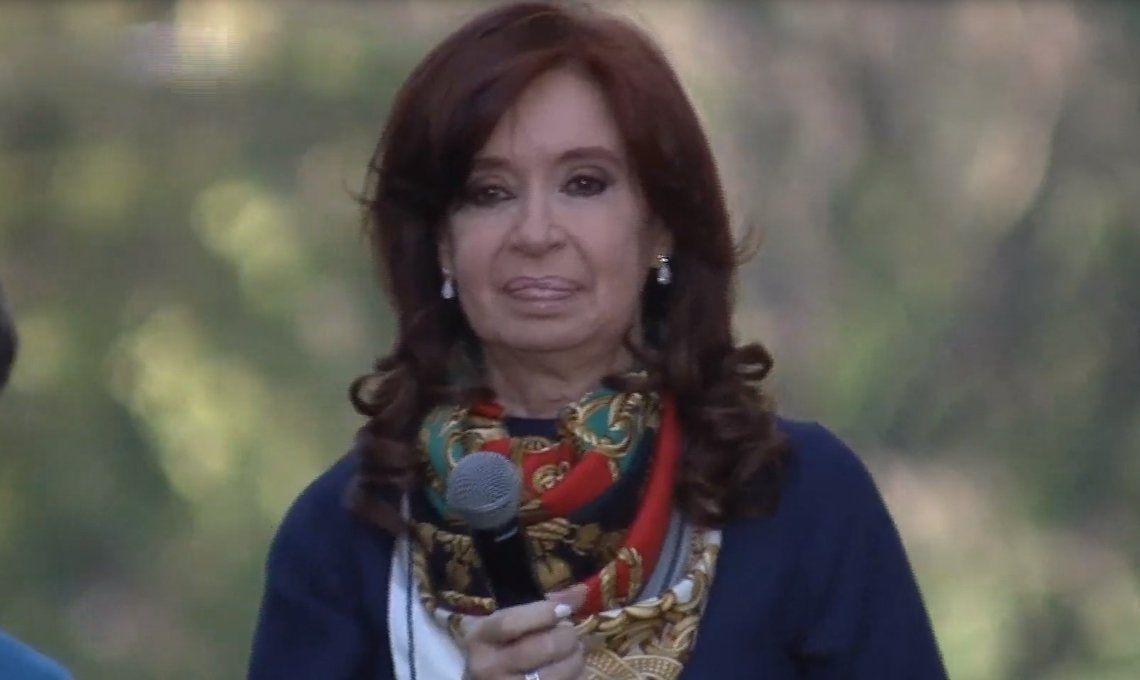 Cristina Kirchner fue autorizada a viajar a Cuba para pasar las fiestas de fin de año con su hija Florencia