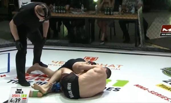 MMA: fugaz combate.