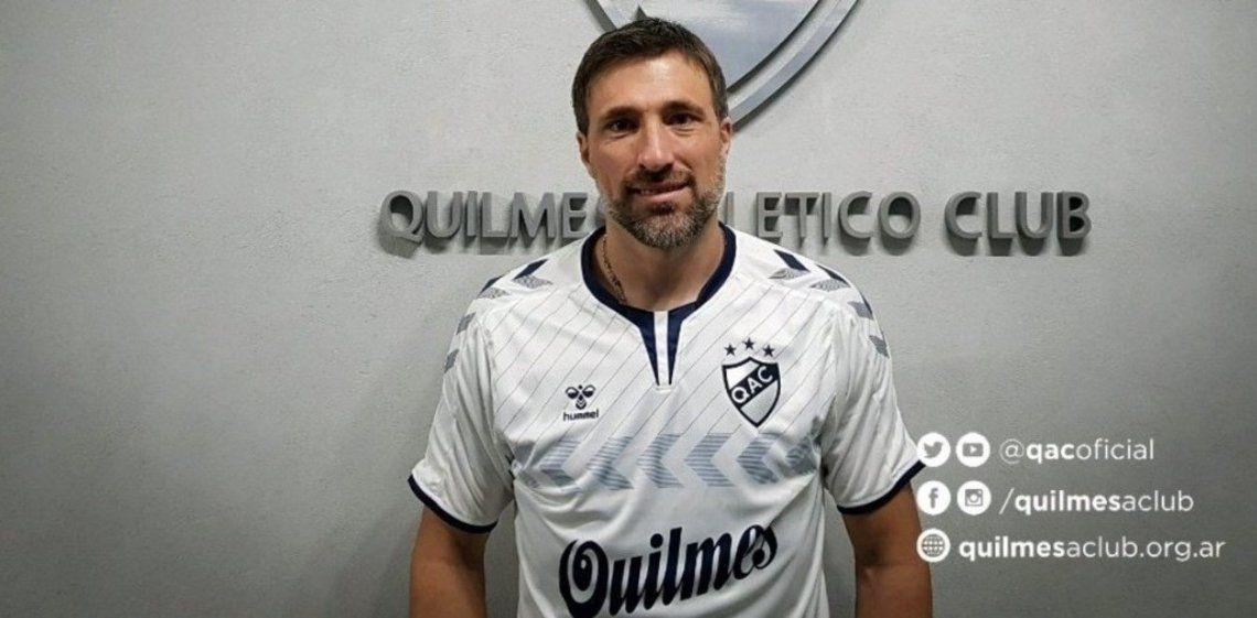 Mariano Pavone marcó uno de los goles de Quilmes