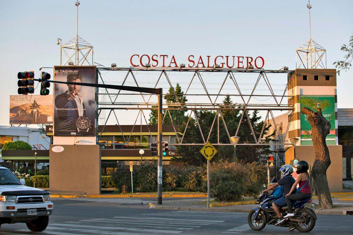 Ciudad: Desde la oposición y las organizaciones sociales buscan que Costa Salguero sea un parque público.