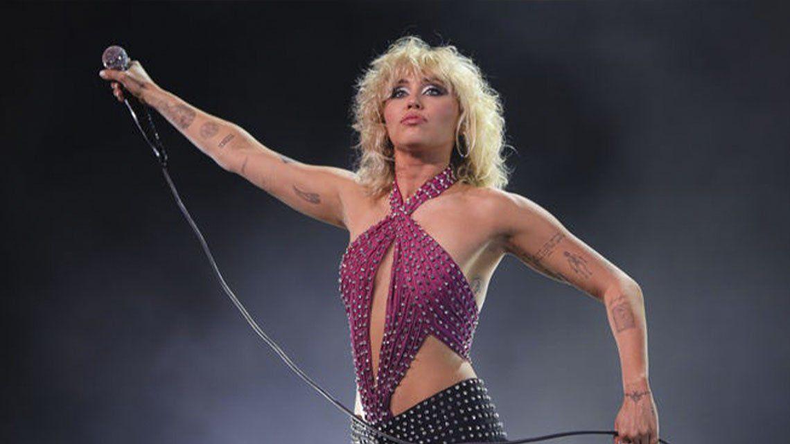 Miley Cyrus sufrió un ataque de pánico en pleno show en vivo.