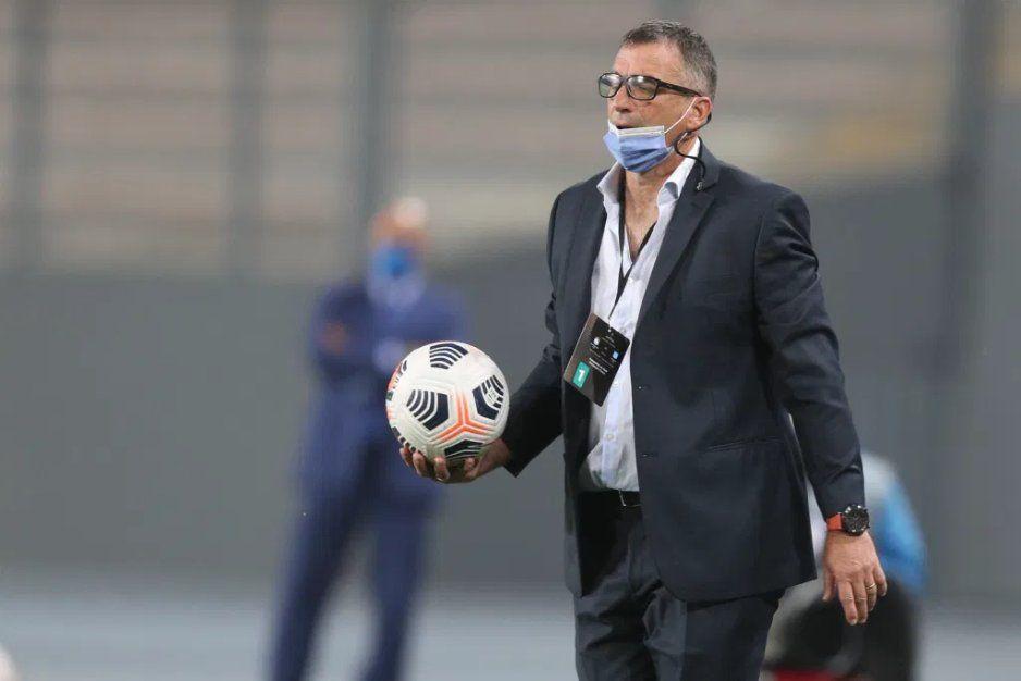 Juan Antonio Pizzi buscará el próximo viernes