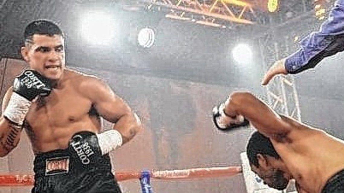 Boxeo: El Eléctrico retuvo por segunda vez la corona de superligero al vencer a Maximiliano Verón