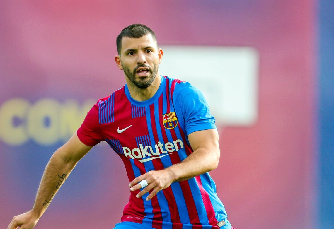 El Kun Agüero debutaría el domingo en el Barcelona