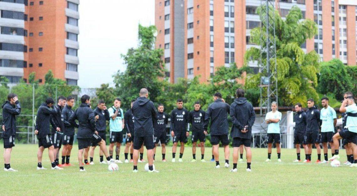La selección argentina en su primer entrenamiento en Venezuela bajo la conducción de Lionel Scaloni