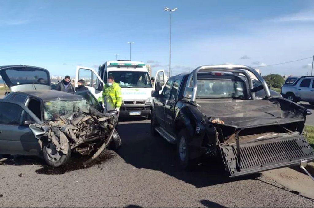 Así quedaron los vehículos en la zona de Camet tras el violento impacto. Foto: 0223.com.ar
