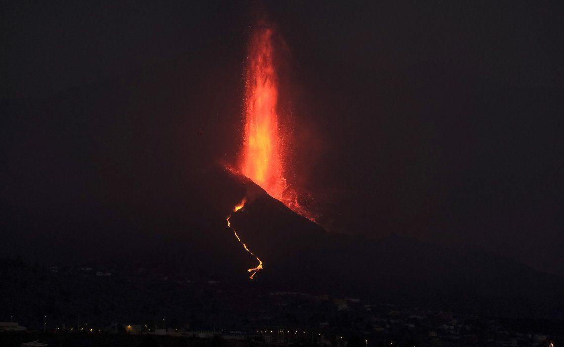 La erupción del volcán Cumbre Vieja se estabilizó este domingo.