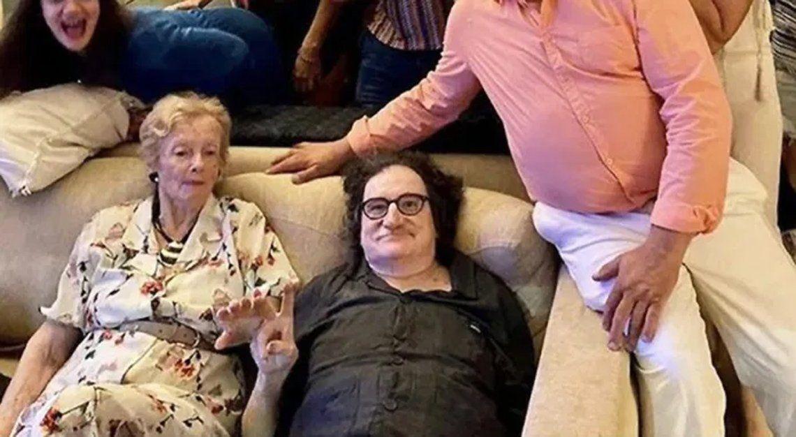 Charly García con la mamá de Gustavo Cerati.