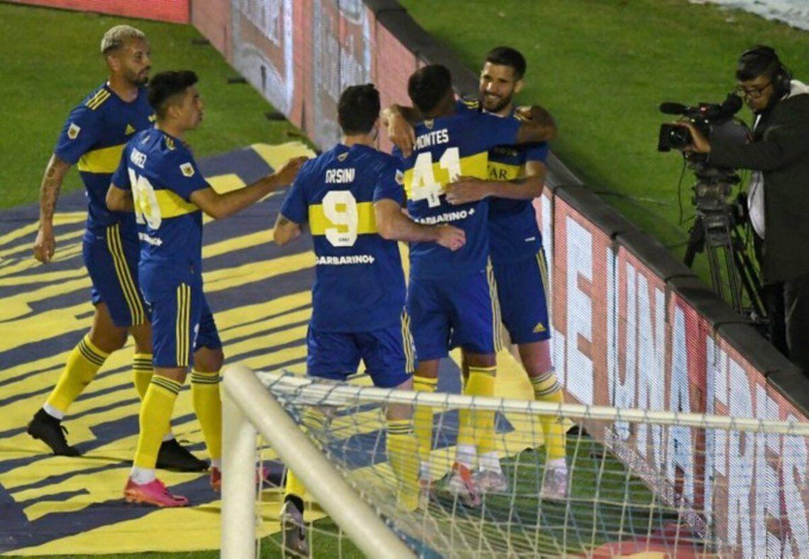 Boca festeja el primer gol de López en Tucumán.
