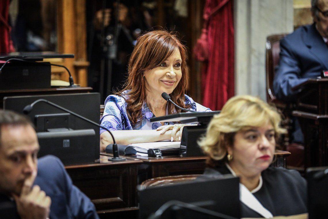 En su primera sesión en el Senado, Cristina se cruzó con Michetti