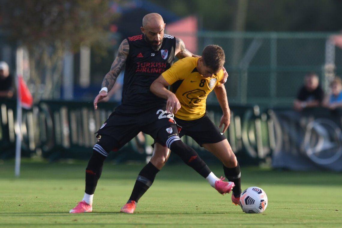 Pinola fue titular en el partido preparatorio de River.