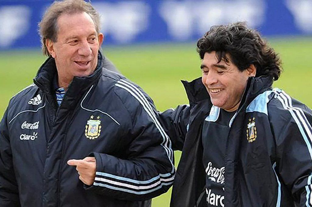 Carlos Bilardo y Diego Maradona cuando fueron manager de Selecciones Nacionales y DT de Argentina