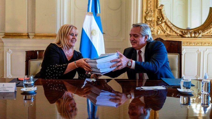 La ministra de Justicia Marcela Losardo aseguró que la comisión no podrá sancionar a los magistrados