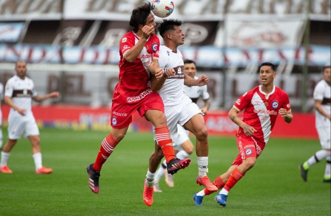 Platense y Argentinos empataron 0-0.