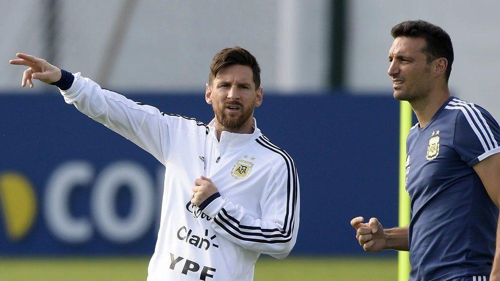 El capitán Lionel Messi y el DT Lionel Scaloni
