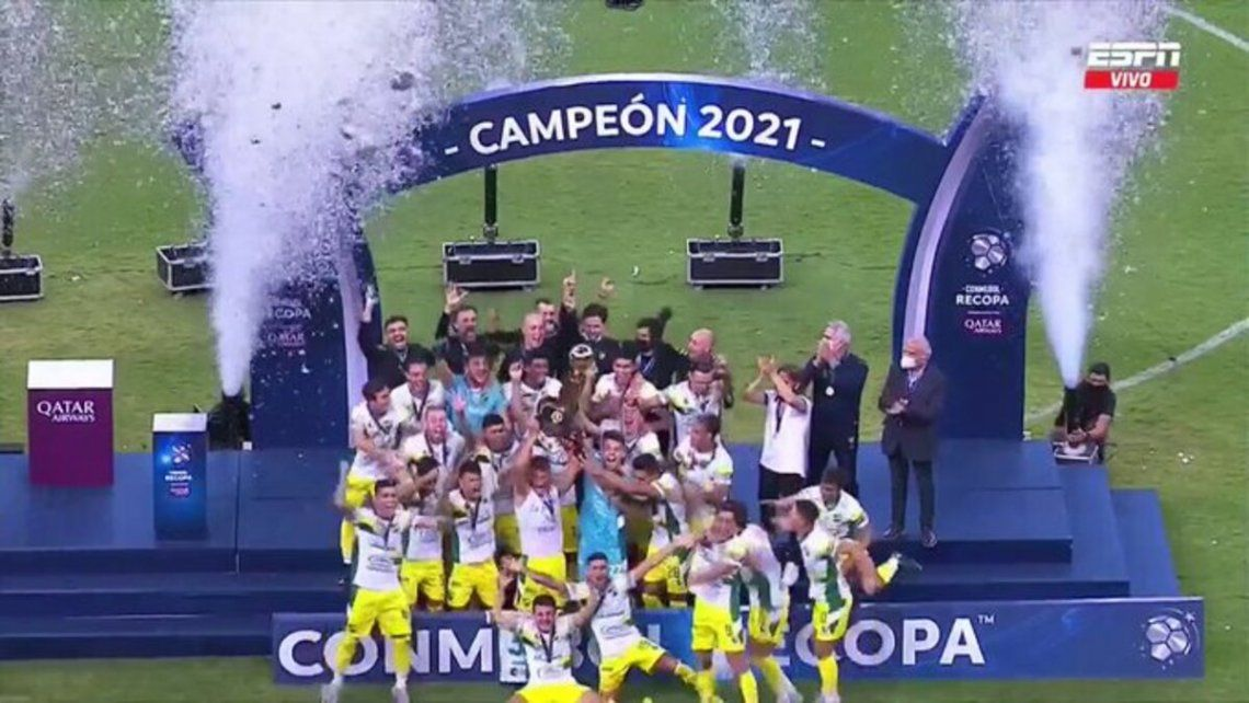 Defensa y Justicia festejó la Recopa Sudamericana en Brasilia