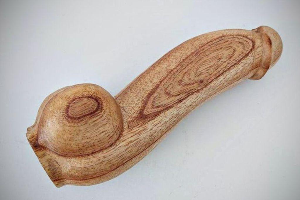 La polémica en torno a los penes de madera para fines didácticos no cesa.