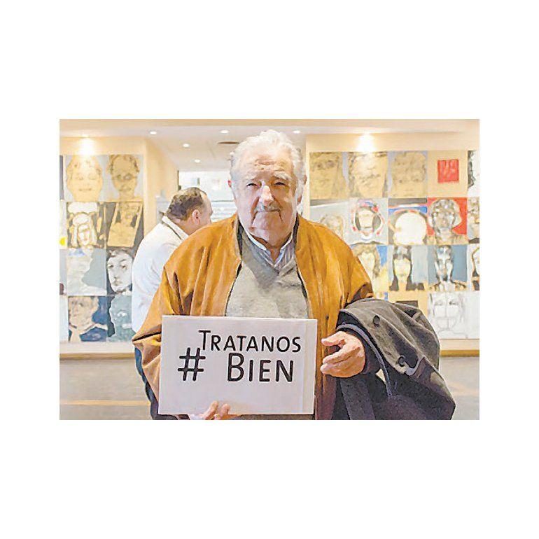 Con el apoyo de Mujica lanzan campaña contra el maltrato a los ancianos