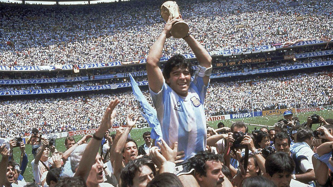 Diego Maradona en un momento inolvidable en México 86.