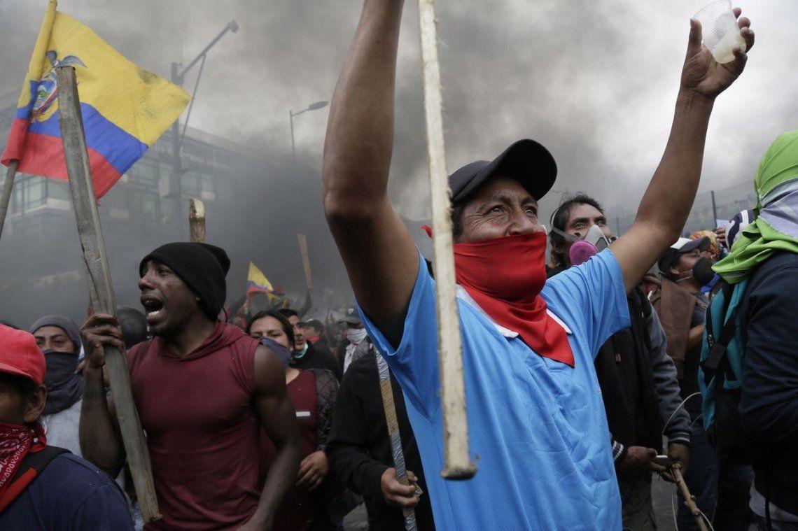 Crisis en Ecuador: Lenín Moreno mudó el Gobierno a Guayaquil por las multitudinarias protestas contra la suba de los combustibles