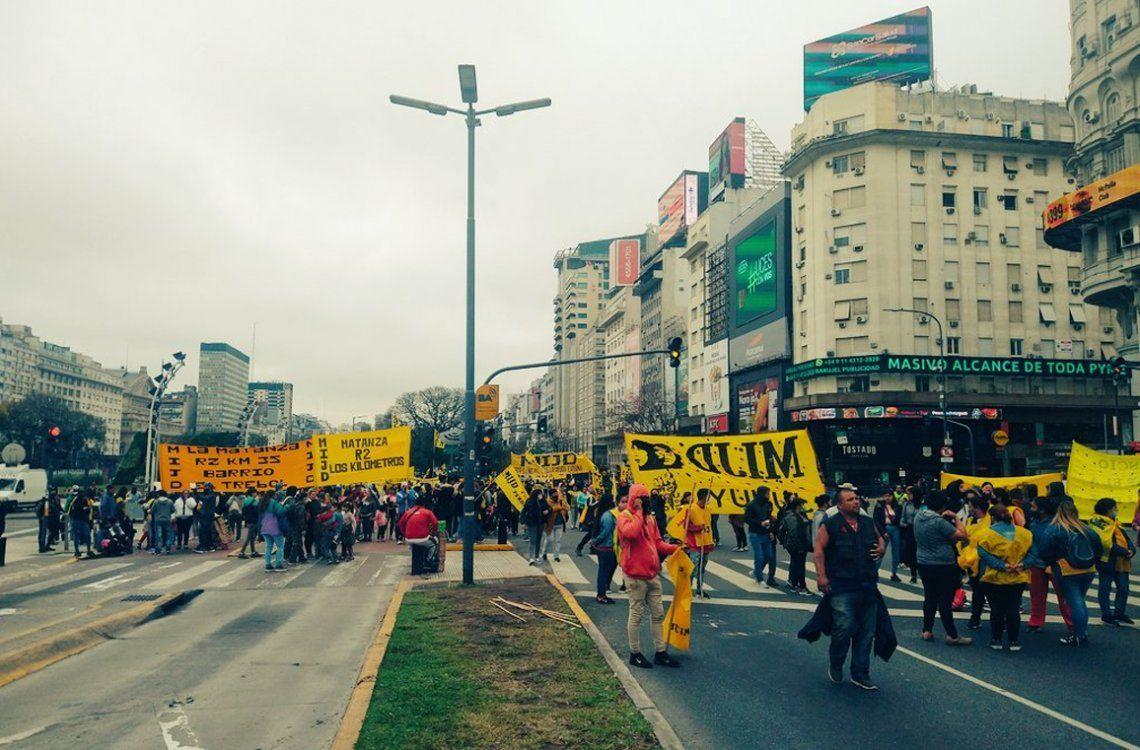 El MIJD levantó el corte en el Obelisco y marcha a la Cámara Argentina de la Construcción