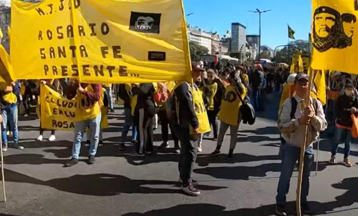 Manifestaciones y cortes en la avenida 9 de julio
