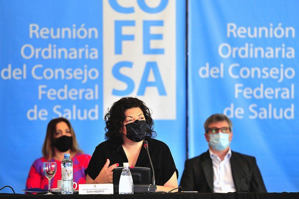 La ministra de Salud, Carla Vizzotti anticipó la medida de una eventual tercera dosis en el marco de la reunión del Consejo Federal de Salud.