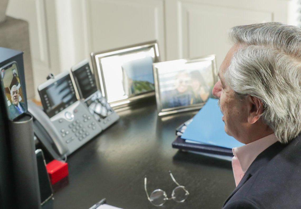 Fernández mantuvo una videollamada con su par chileno desde Olivos.