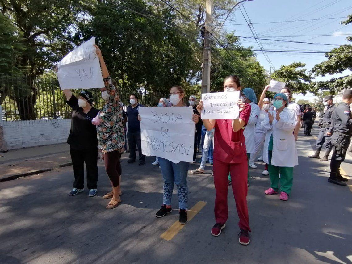 Paraguay: protesta de personal sanitario.