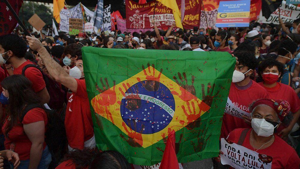 Copa América: protesta en Brasil contra Bolsonaro.
