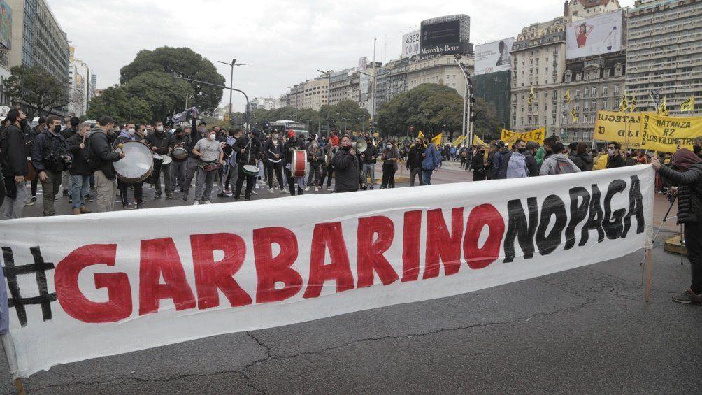 Camioneros y mercantiles marchan hoy a Garbarino en reclamo de sus sueldos