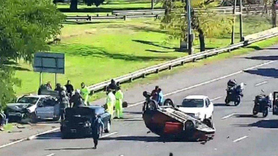 Choque múltiple en Belgrano: tres personas heridas.