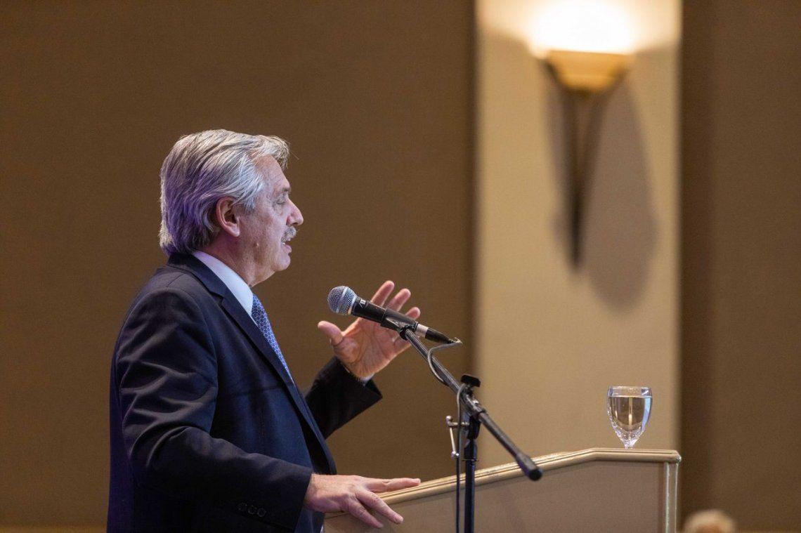 Alberto Fernández dijo que buscará una negociación seria y sensata con los acreedores y citó el caso de Uruguay