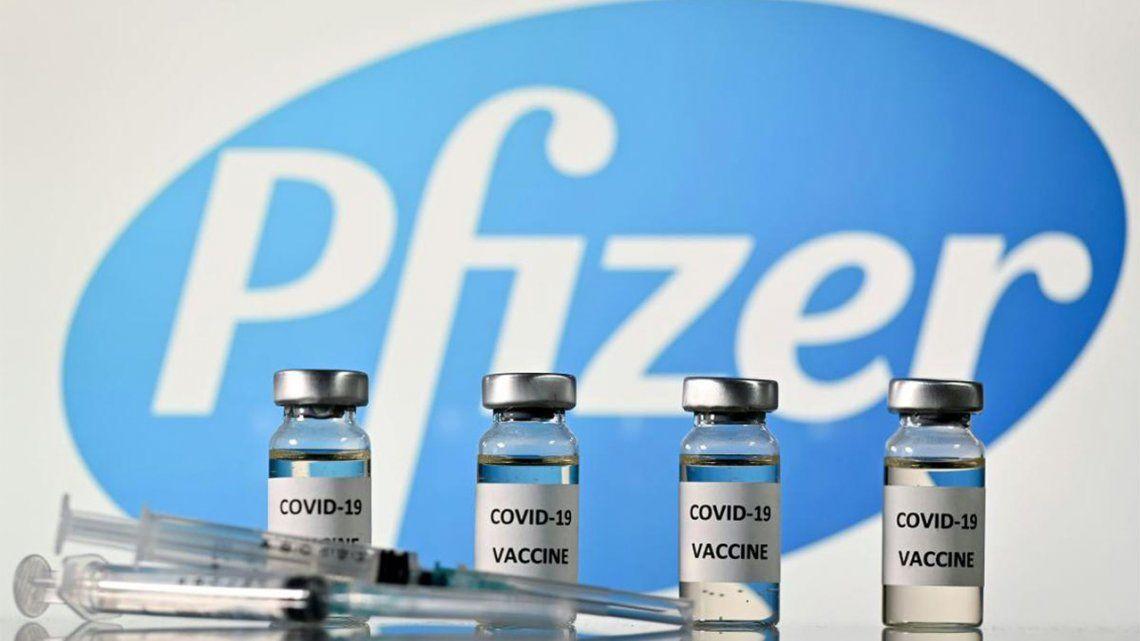 El Gobierno confirmó que llegará el primer lote de 100 mil vacunas de Pfizer.